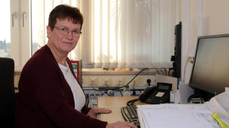GeschäftsführerinGudrun Jansen ist ständig am Ball, übernimmt den Telefondienst, spricht mit Klienten wie auch Pflegekräften über ihre Sorgen.