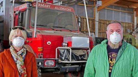 """Sonja Nertinger und Klaus Schier legen eine Zwangspause ein. Sie schreiben uns: """"Seit unserer Rückkehr aus Schweden, Mitte Februar, gehen wir noch noch mit Mundschutz und Einweghandschuhen zum Einkaufen. Unser Unimog wird noch länger ,einstauben'."""""""