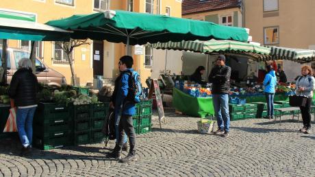 Der Wochenmarkt in Friedberg während der Coronakrise.