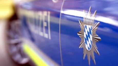 Die Polizei ermittelte nach einer Unfallfluch den Fahrer.