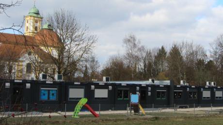 Die Interimscontainer an der Pater-Franz-Reinisch-Straße werden erweitert.