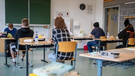 Die Prüfungen an den Mittel- und Realschulen werden in diesem Jahr außergewöhnlich sein. Schülern soll dennoch kein Nachteil entstehen.