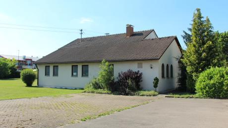 Auf dem Grundstück der ehemaligen neuapostolischen Kirche in Kissing soll eine neue Wohnanlage mit geförderten Wohnungen entstehen.