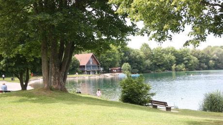 Beim Baden sind am Riegsee und am Haslacher See in Oberbayern zwei Frauen gestorben.
