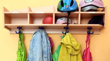 Gebühren für Kinder, die zuhause bleiben mussten, sind ausgesetzt.