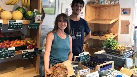 Janine Schorer hat sich ganz bewusst für ihren Dorfladen entschieden. Unterstützt wird sie von Ihrem Lebensgefährten Markus Frohnauer.