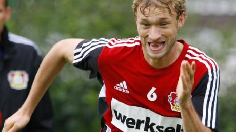 Leverkusens Kapitän Simon Rolfes will am liebsten gegen den FC Barcelona spielen.