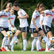 Die DFB-Spielerinnen beim Training. Foto: Sebastian Gollnow