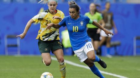 Brasiliens Marta (r) erwies sich nach dem Spiel gegen Australien als schlechte Verliererin.