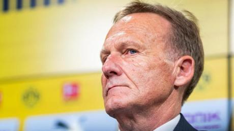 Für BVB-Geschäftsführer Hans-Joachim Watzke bleibt die Meisterschaft das Ziel. Foto: Guido Kirchner/dpa