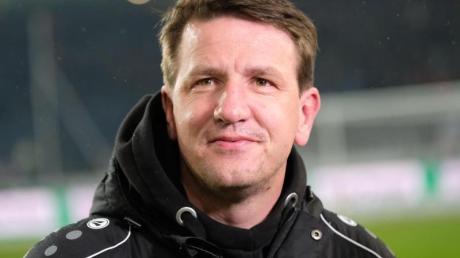 Ist nicht mehr Trainer beim FC Barnsley: Daniel Stendel. Foto: Peter Steffen/dpa