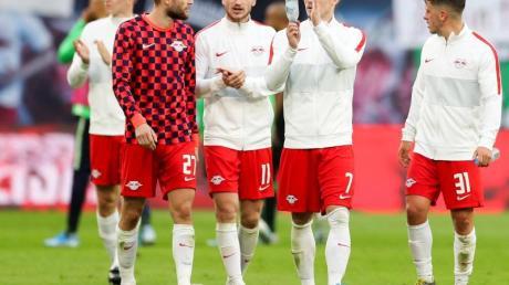 Leipzigs Spieler können nach Ansicht von Trainer Nagelsmann nicht zufrieden sein. Foto: Jan Woitas/dpa-Zentralbild/dpa