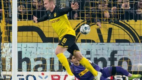 Brachte Borussia Dortmund quasi im Alleingang ins Achtelfinale: Doppeltorschütze Julian Brandt. Foto: Bernd Thissen/dpa