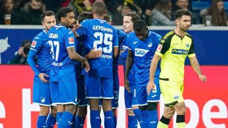 1899 Hoffenheim besiegte den SC Paderborn klar mit 3:0. Foto: Uwe Anspach/dpa