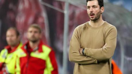 Der Mainzer Trainer Sandro Schwarz war nach der 0:8-Pleite in Leipzig vollkommen frustriert. Foto: Jan Woitas/dpa-Zentralbild/dpa