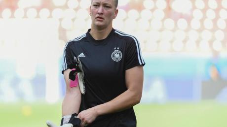 Würde sich über eine Frauen-Mannschaft bei Borussia Dortmund freuen:DFB-Keeperin Almuth Schult. Foto: Sebastian Gollnow/dpa