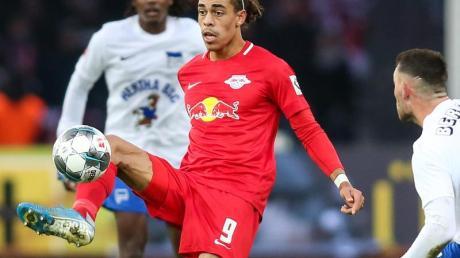 Yussuf Poulsen behielt mit RB Leipzig bei Hertha BSC die Oberhand. Foto: Andreas Gora/dpa