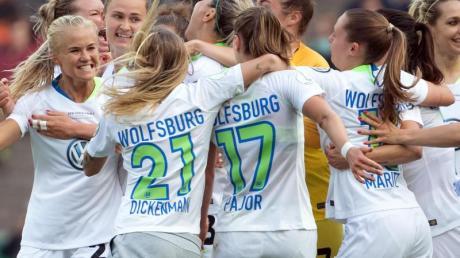 Die Frauen des VfL Wolfsburg haben das Viertelfinale im DFB-Pokal erreicht. Foto: Federico Gambarini/dpa