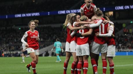 Arsenal feiert seinen 2:0-Sieg gegen Tottenham Hotspur mit 38.262 Fans. Foto: Zac Goodwin/PA Wire/dpa