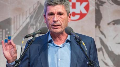 Der ehemalige Schiedsrichter Markus Merk ist mit einer deutlichen Mehrheit in den Aufsichtsrat des 1. FC Kaiserslautern gewählt worden.