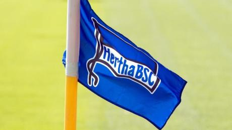 Nachwuchsspieler von Hertha BSC erheben schwere Rassismus-Vorwürfe.
