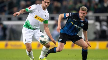 Behielt mit Gladbach gegen Aufsteiger Paderborn die Oberhand: Borussia-Torschütze Lars Stindl (l).