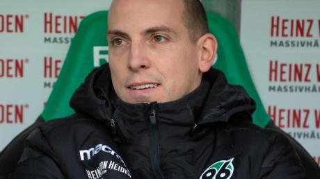 Jan Schlaudraff bleibt Sportdirektor in Hannover.