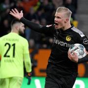 Dortmunds Neuzugang Erling Haaland erzielt in seinem Bundesliga-Debüt einen Dreierpack.