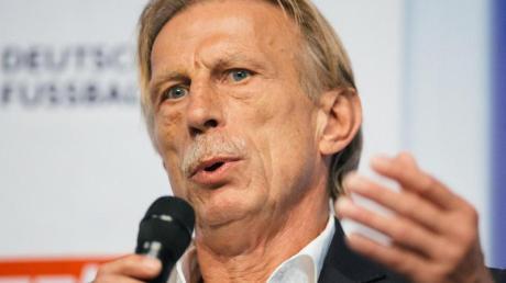 Fährt weiterhin Bahn: Ex-Bundesliga-Coach Christoph Daum.
