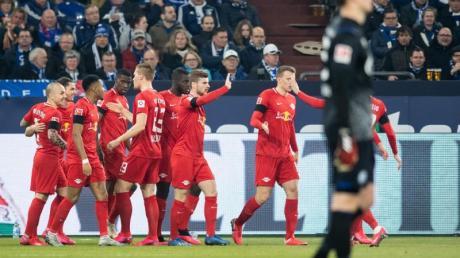 Schalke-Torwart Alexander Nübel machte beim klaren Sieg von RB Leipzig keine gute Figur.