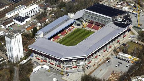 Der 1. FC Kaiserslautern will die Zahlungen an die städtische Stadiongesellschaft zunächst einstellen.