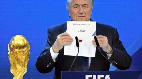 Ex-FIFA-Chef Sepp Blatter ist weiterhin von Katar als WM-Ausrichter überzeugt.