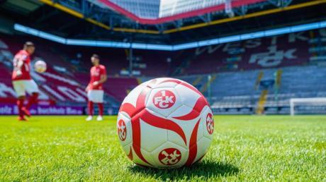 Beim 1. FC Kaiserslautern gibt es drei Verdachtsfälle auf das Coronavirus.