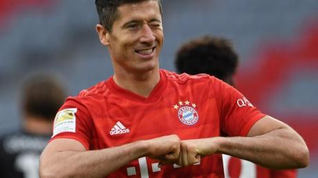 In den beiden ausstehenden Spielen der Bundesliga will Robert Lewandowski seine Trefferquote weiter ausbauen.