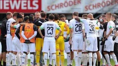Nach dem Spiel in Paderborn schworen sich die Gladbacher auf das Erreichen der Champions League ein.