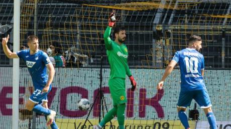 Andrej Kramaric (l) sorgte mit seinem Tor zum 2:0 für die Vorentscheidung bei Hoffenheims Sieg in Dortmund.