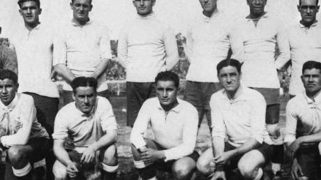 Im ersten Finale einer Fußball-WM holt die Nationalmannschaft von Uruguay am 30. Juli 1930 die Weltmeisterschaft.