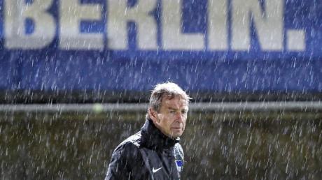 Konnte die Aufbruchstimmung bei Hertha BSC nicht lange erhalten: Der damals neue Trainer Jürgen Klinsmann.