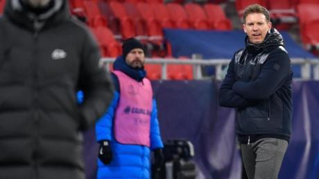 RB Leipzig, im Bild Trainer Julian Nagelsmann, gewann das erste Halbfinale des DFB-Pokals 20/21. Läuft die 2. Partie des DFB-Halbfinales live im Free-TV auf ARD oder Sport1 oder im Pay-TV auf Sky?