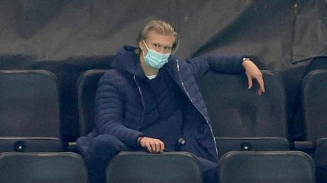 Der BVB bangt im Topspiel gegen Leipzig um Torjäger Erling Haaland.