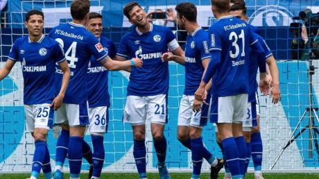 Das bereits abgestiegene Schalke zeigte gegen Frankfurt eine starke Leistung.
