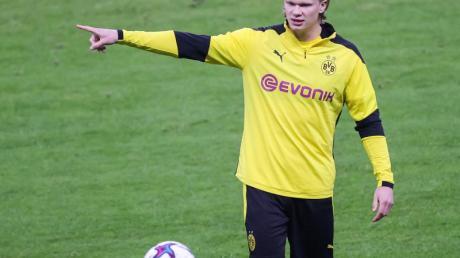 Topstürmer Erling Haaland spielt laut Sportdirektor Zorc auch in der nächsten Saison beim BVB.