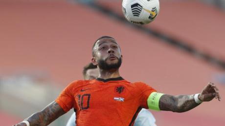 Schlüsselspieler der Niederländer: Memphis Depay kontrolliert den Ball.