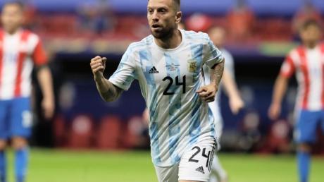 Argentiniens Alejandro Gomez feiert den Führungstreffer gegen Paraguay.