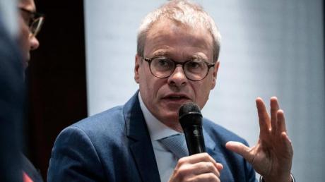 Peter Peters, Aufsichtsratsvorsitzender der Deutschen Fußball Liga.