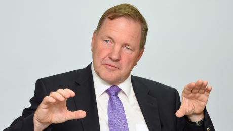 Ralf-Joachim Götz, Chefvolkswirt bei der Deutschen Vermögensberatung, rechnet damit, dass die Erholungsphase der deutschen Wirtschaft bis zu zwei Jahre dauern wird.