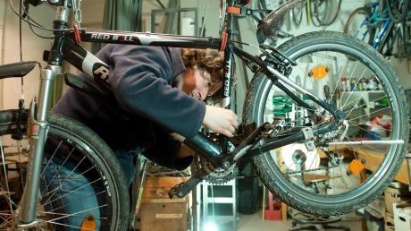 Sie möchten ein Fahrrad gebraucht kaufen? In diesem Artikel erfahren Sie, was Sie dabei beachten sollten.