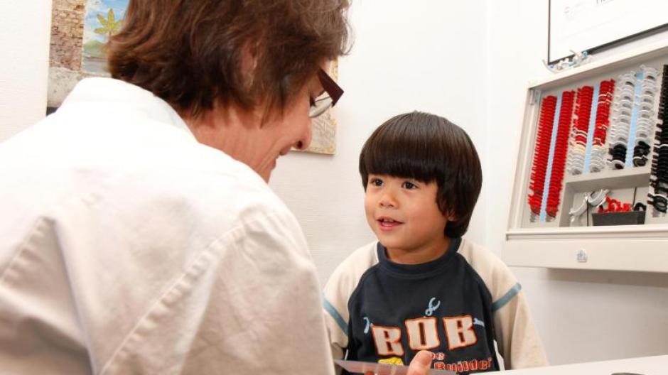 Den Augenarzt Aufsuchen Schielen Ist Nicht Harmlos Gesundheit