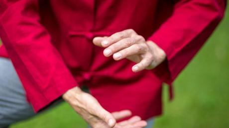 Beim Qigong fließt Lebensenergie durch den Körper.