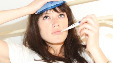 Im Sommer ist es besonders nervig, mit Fieber und Kopfweh im Bett auszuharren. Hat einen die Erkältung erwischt, ist es besser den Infekt richtig auszukurieren. Foto: Daniel Modjesch